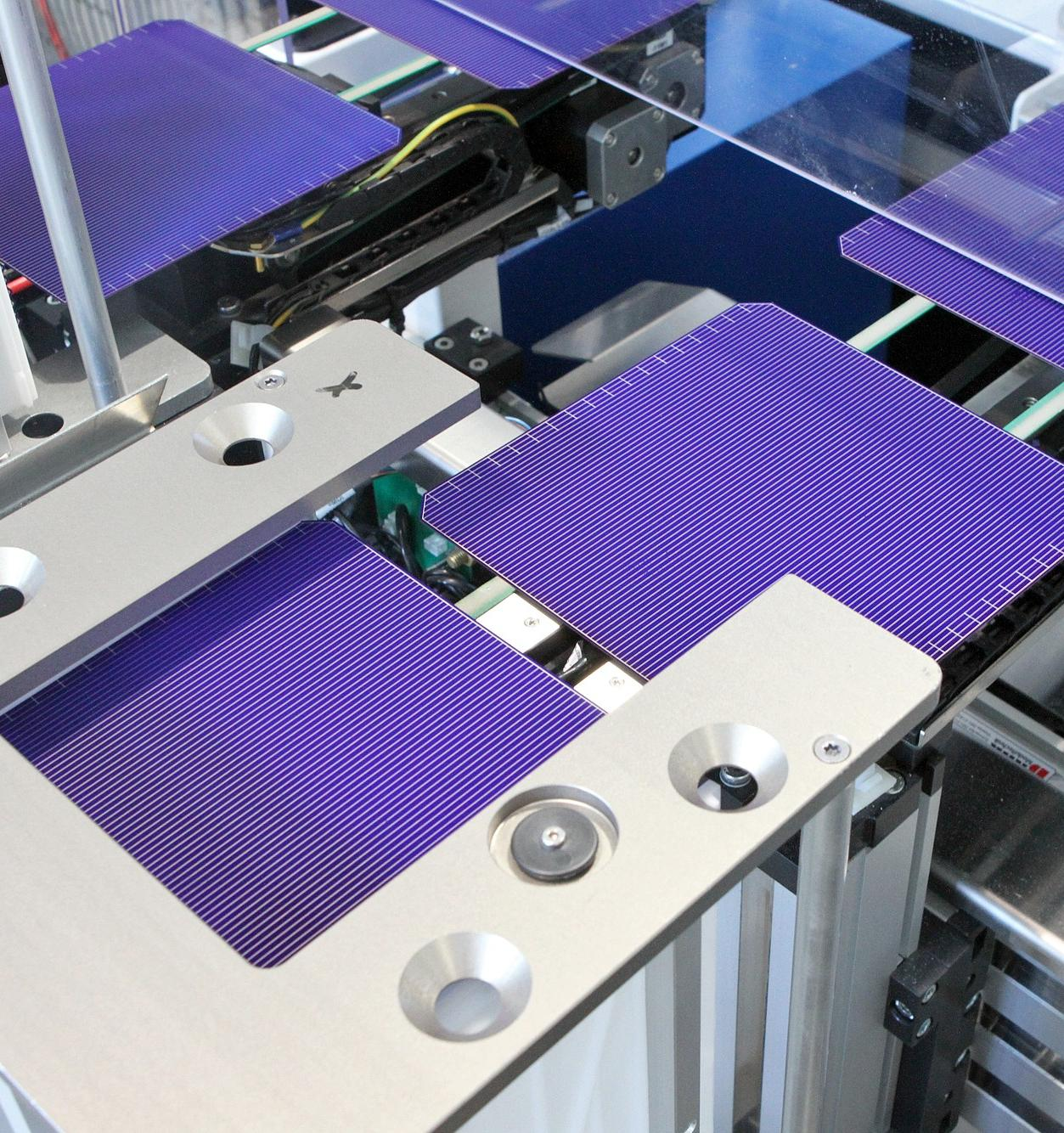 Завод «Хевел» в 2019 году произвел 700 тысяч солнечных модулей