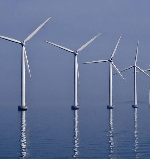 Италия построит в Адриатическом море ветроэлектростанцию мощностью 450 МВт