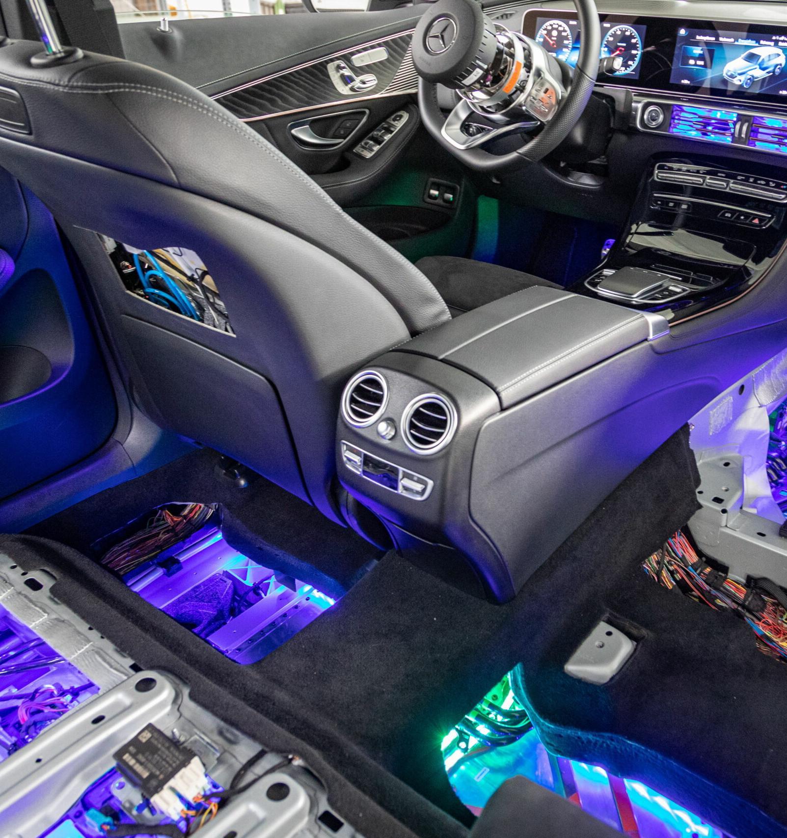 Mercedes-Benz показал «внутренности» электрокроссовера EQC