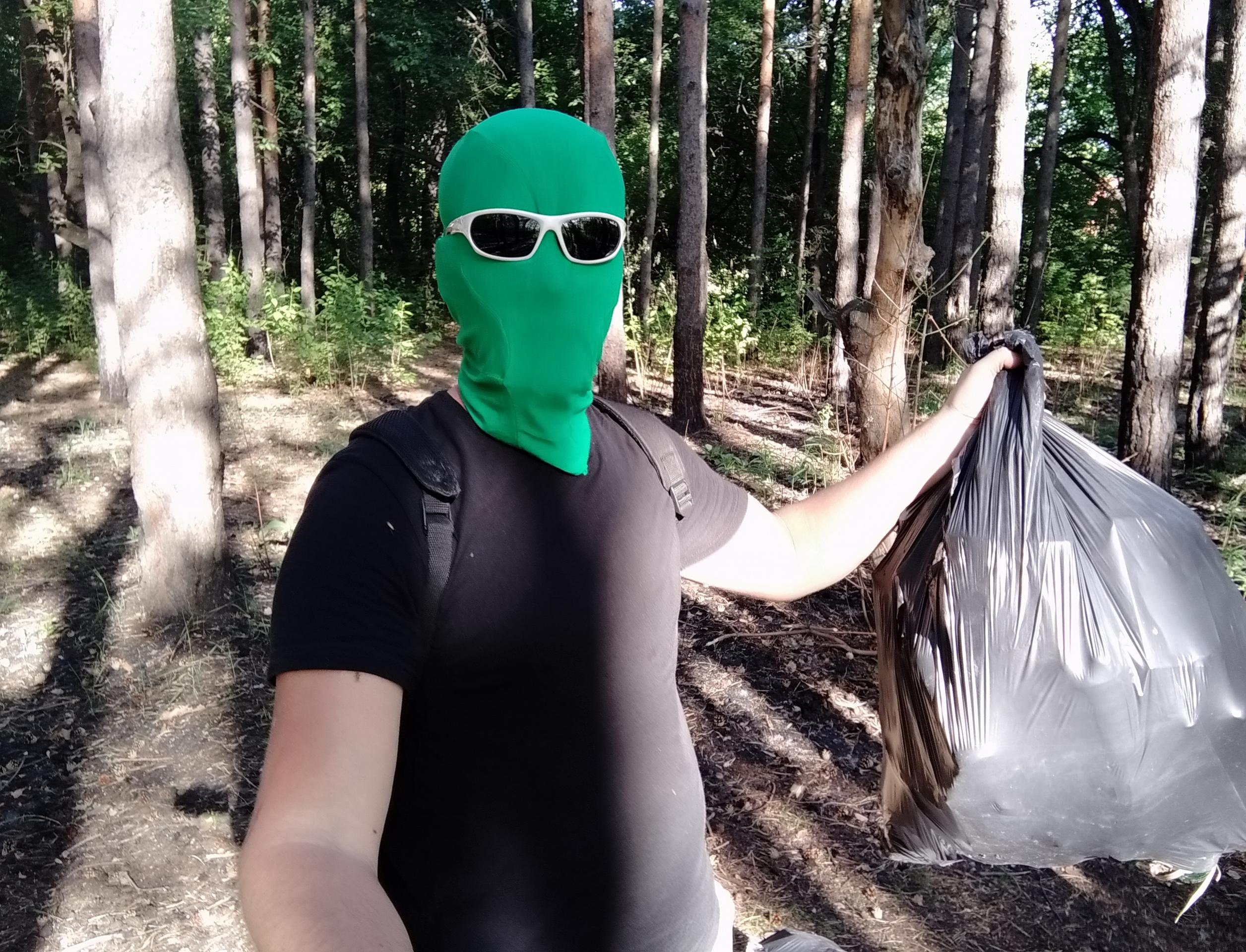 Во всероссийской акции по уборке мусора участвуют супергерои