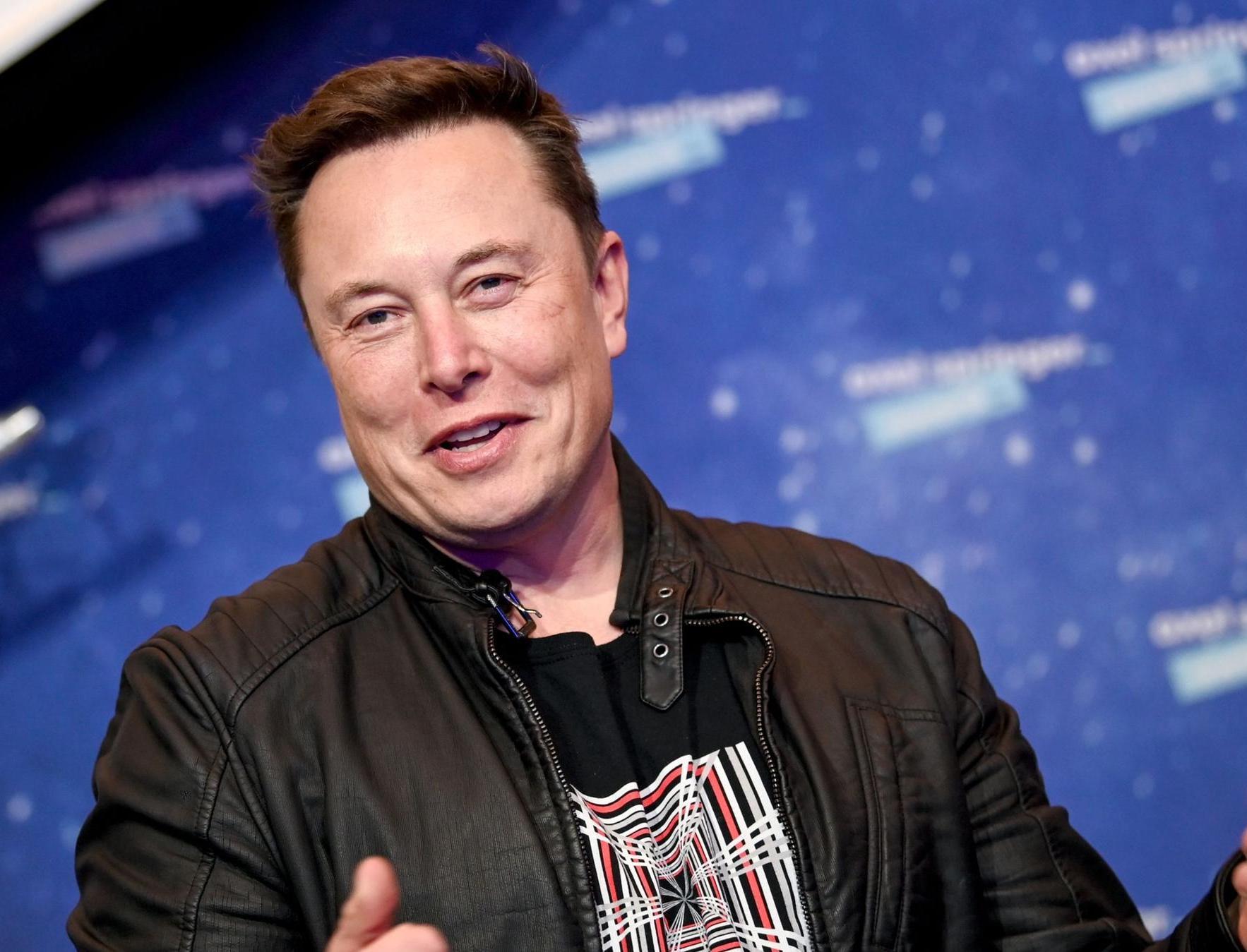 Tesla продала за год почти 500 тысяч электромобилей