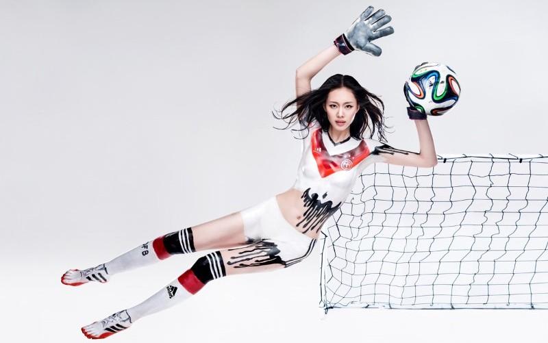 Adidas откажется от токсичных веществ в одежде благодаря Greenpeace