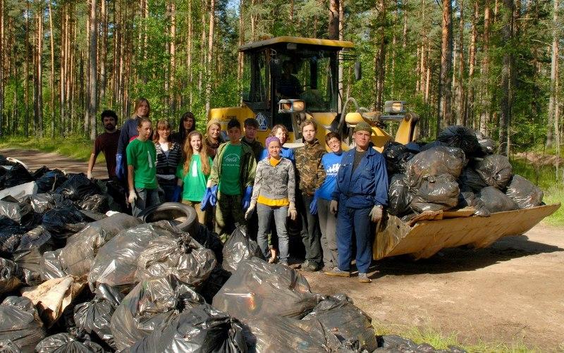 Волонтеры эколагеря «Просвет» собрали 480 мешков вторсырья
