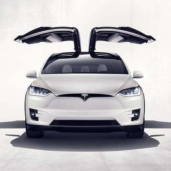 Tesla представила самый быстрый электрокроссовер в мире