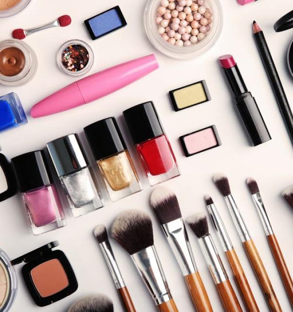 10 косметических брендов, которые не проводят тесты на животных