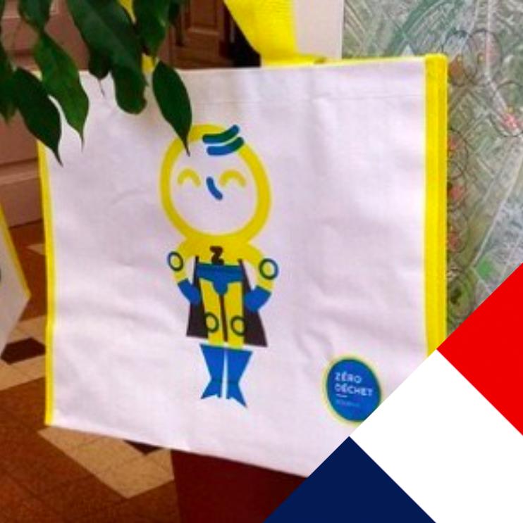 Французам начали раздавать бесплатные многоразовые сумки для продуктов