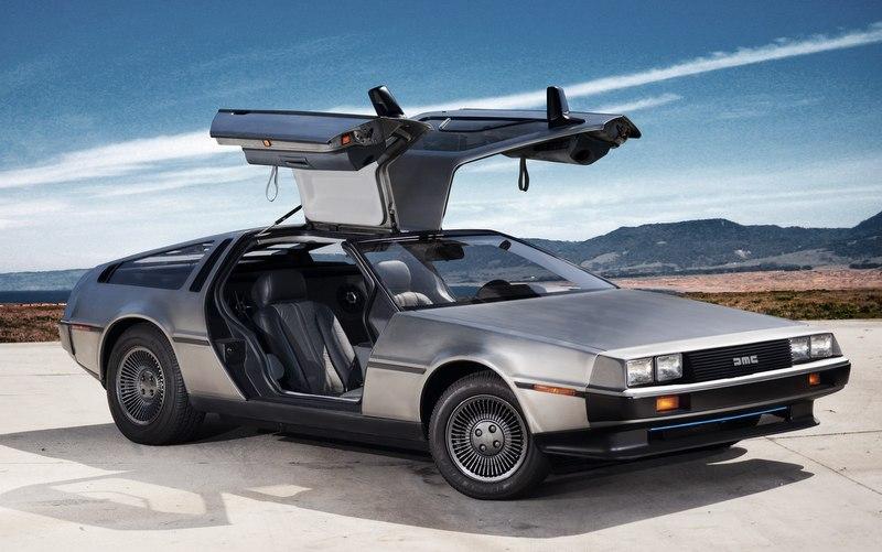 Автомобиль из «Назад в будущее» перешел с бензина на электричество