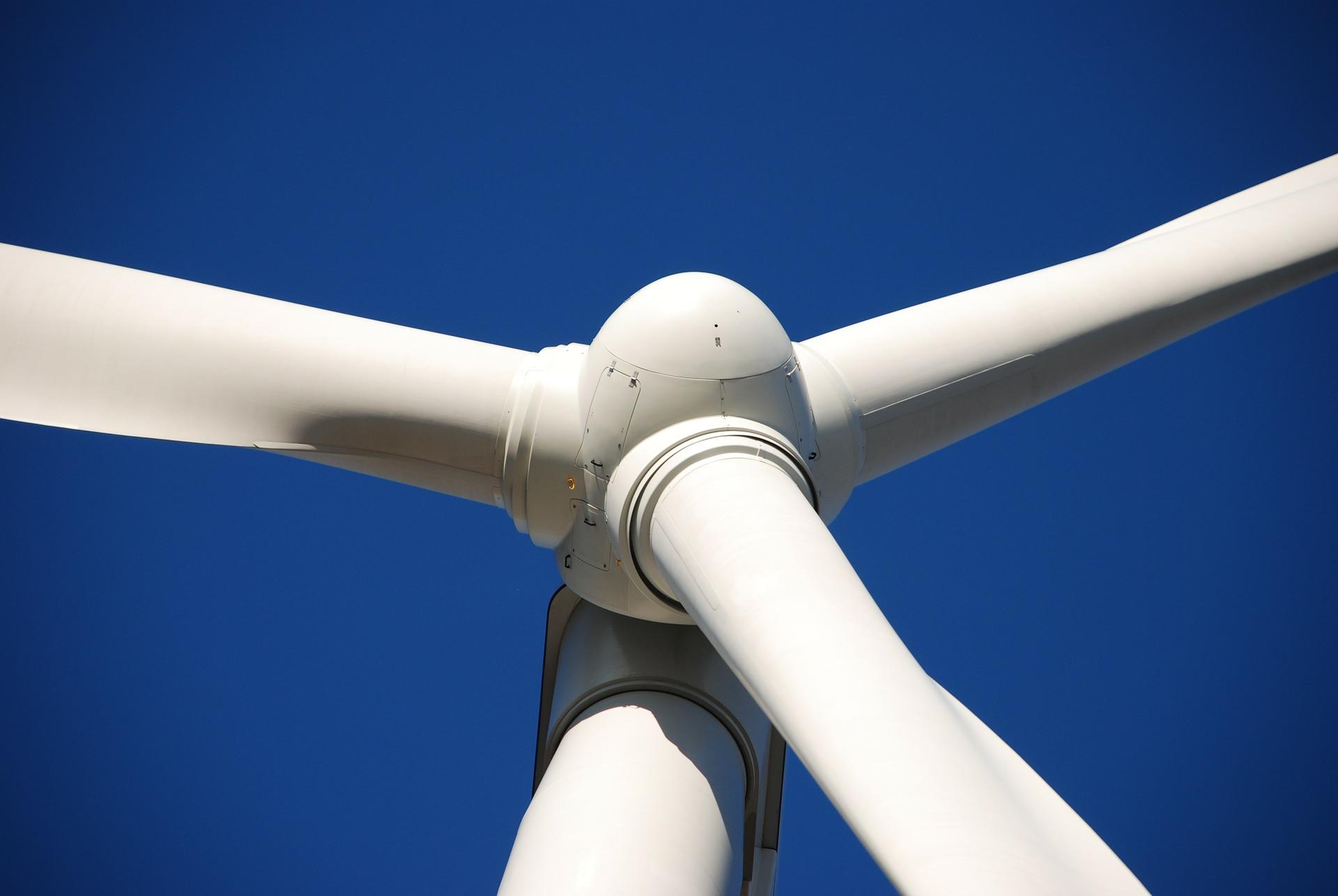 Ветряная ферма с самыми мощными турбинами в мире заработала в Британии