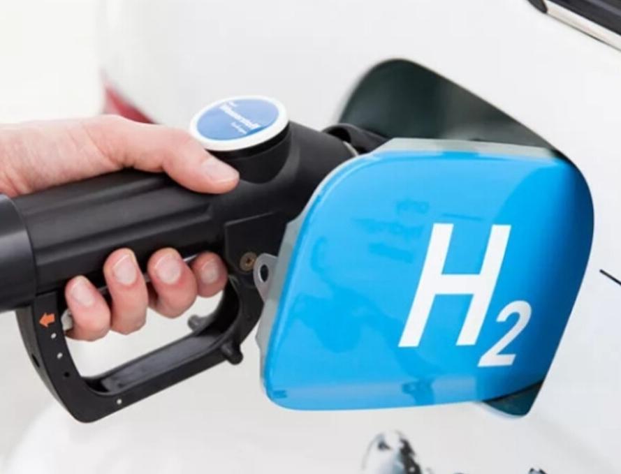 Владимир Путин поставил задачу к 2023 году создать городской автобус на водородном топливе