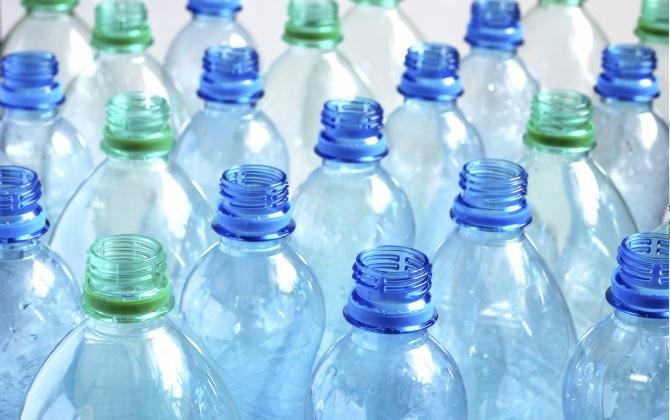 Видео дня: что на самом деле происходит после того, как вы выбросили пластиковую бутылку