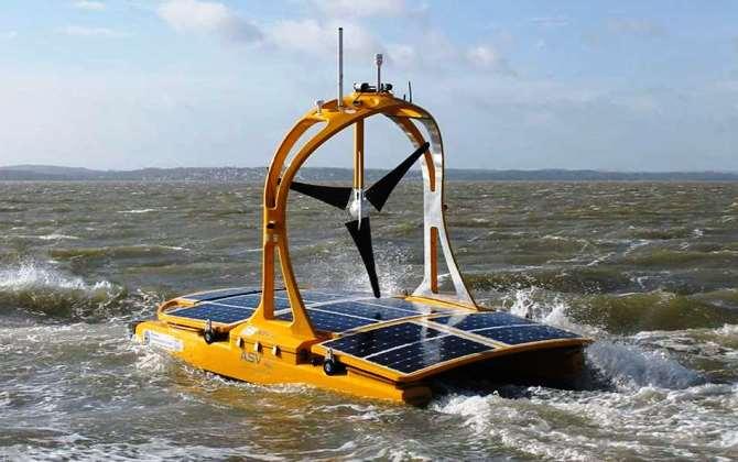 Беспилотный катамаран на солнечной и ветровой энергии изучит Кельтское море
