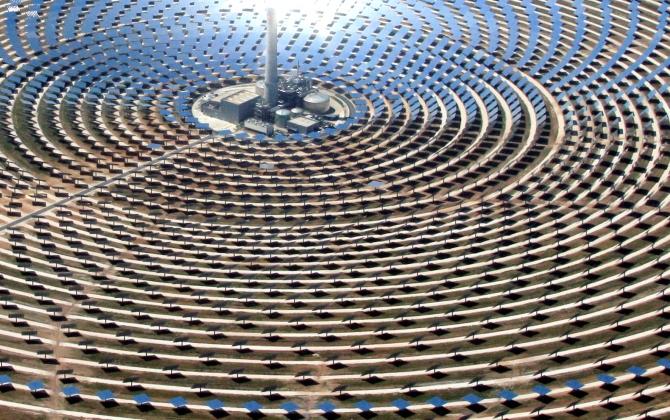 На солнечной электростанции в Испании пройдет модное шоу