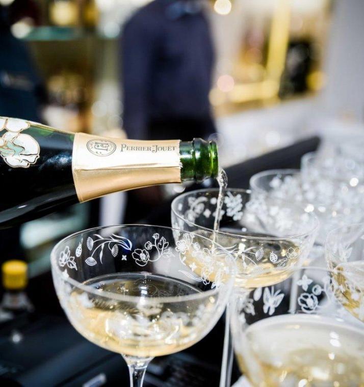 Шампанское Perrier-Jouet выпустит экологичные подарочные коробки