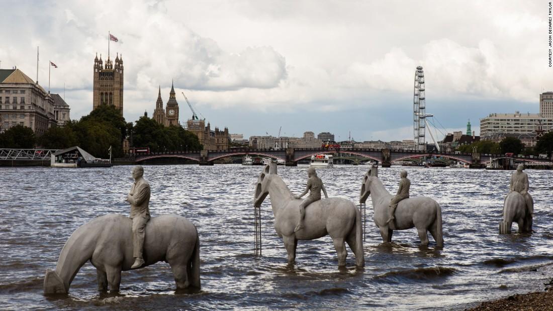 В Лондоне появились всадники экологического Апокалипсиса