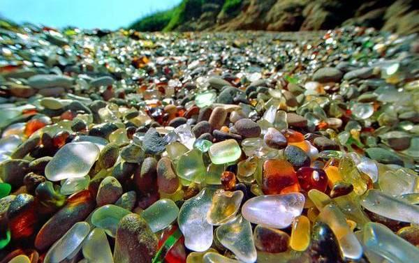 В Челябинске появится пляж с галькой из переработанного битого стекла