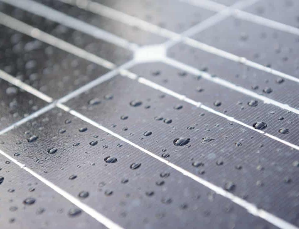 С солнечных панелей станет возможным собирать воду