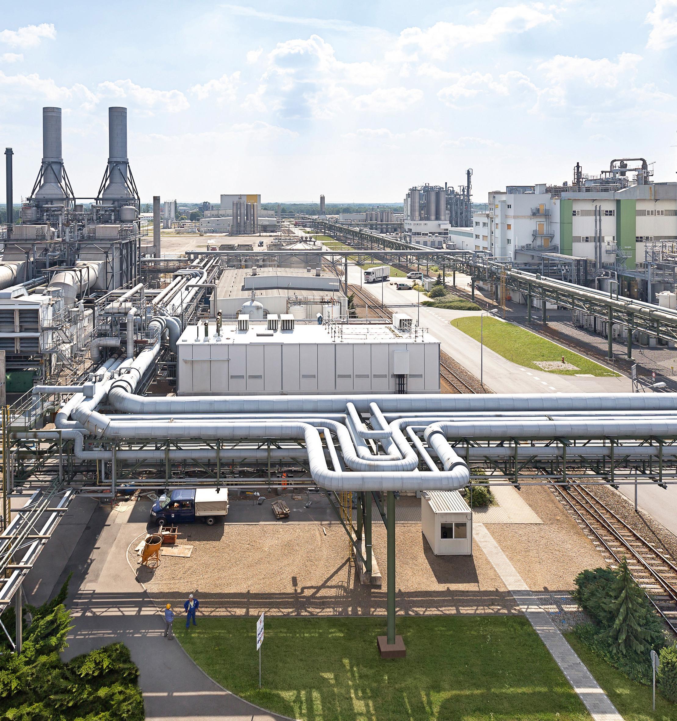 Как BASF строит завод по производству аккумуляторов, который будет оснащать до 400 000 электромобилей ежегодно