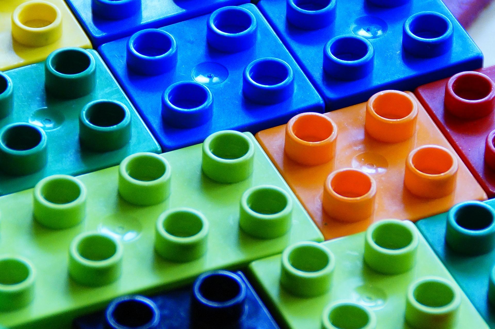 Lego разработает экологичную альтернативу пластмассовым деталям