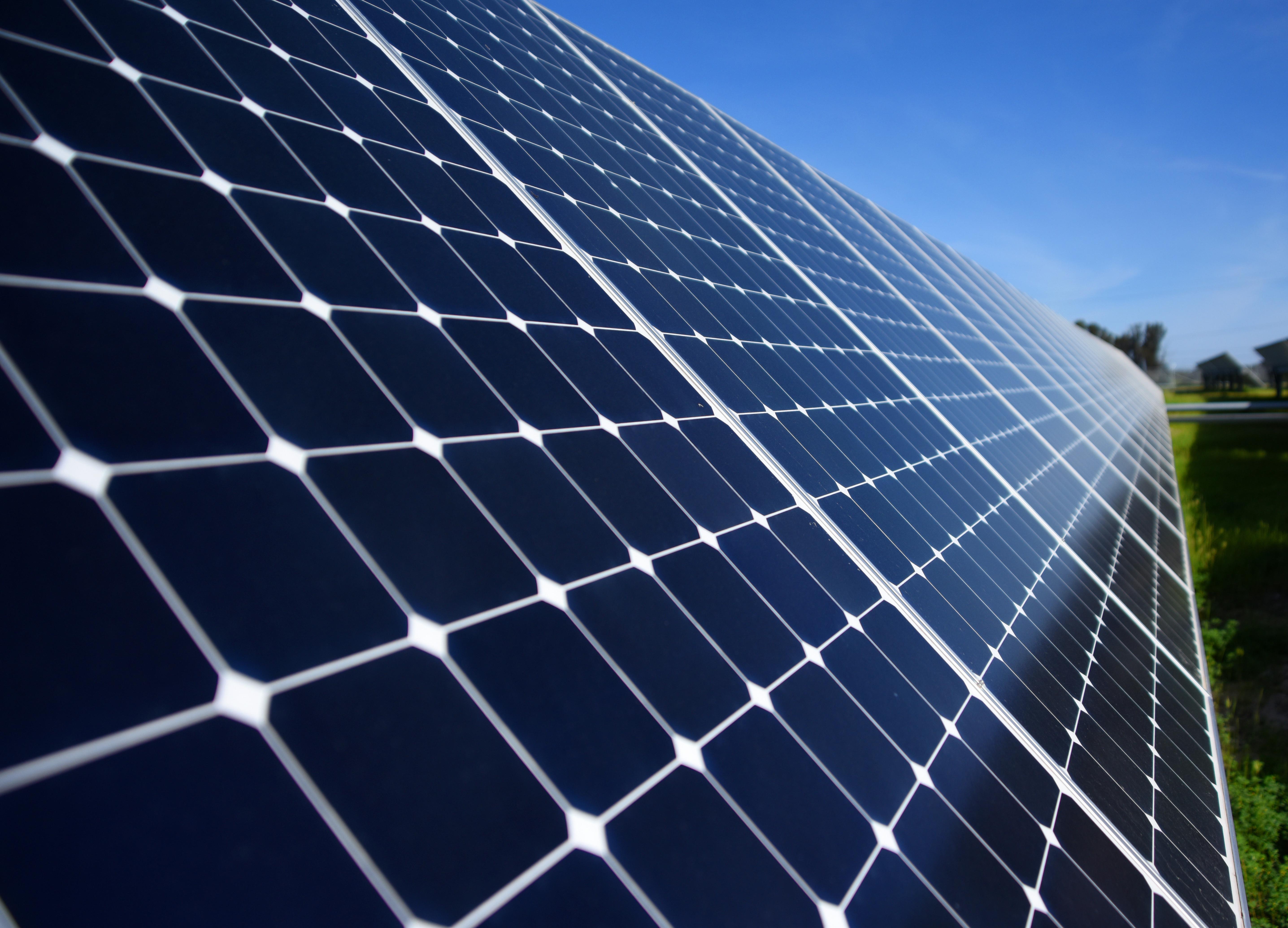 В Оренбургской области открыли самый крупный в России комплекс солнечных электростанций