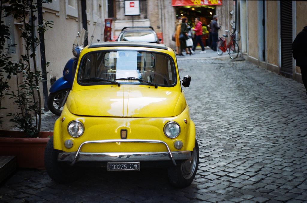Рим и Милан запретят движение транспорта на бензине