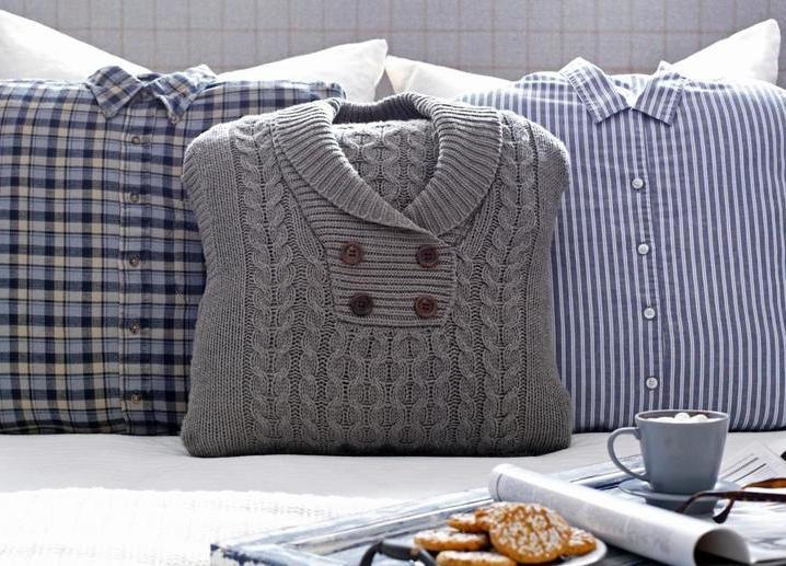 В Петербурге начали шить подушки из старой одежды