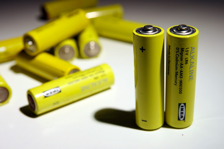 ИКЕА убрала все контейнеры для сбора батареек на переработку