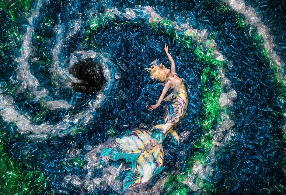 Как русалки помогают избавить мир от пластика