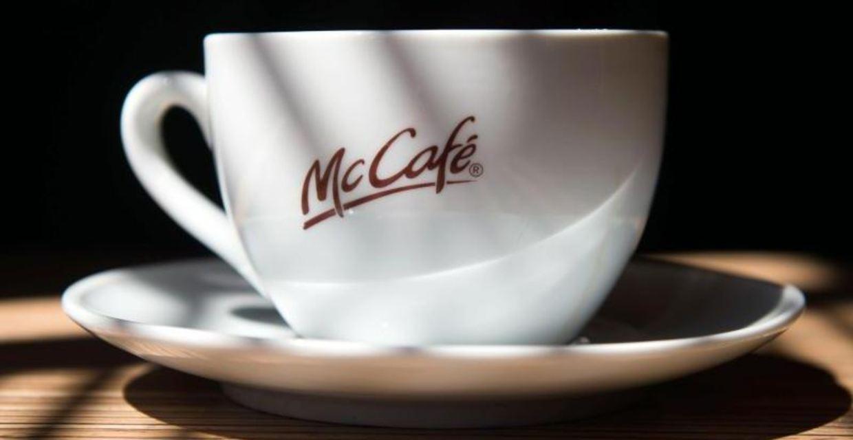Макдональдс будет продавать напитки в многоразовой посуде