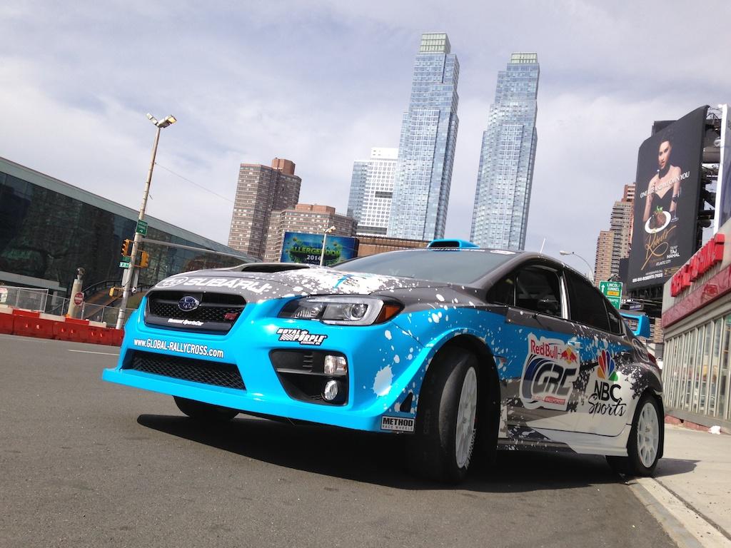 Red Bull проведет гонки на электромобилях
