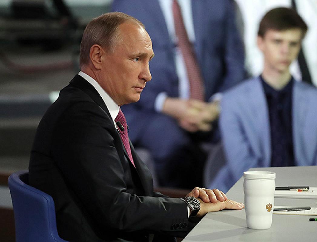 Путин: «Надо сокращать использование пластика, но не в ущерб промышленности»