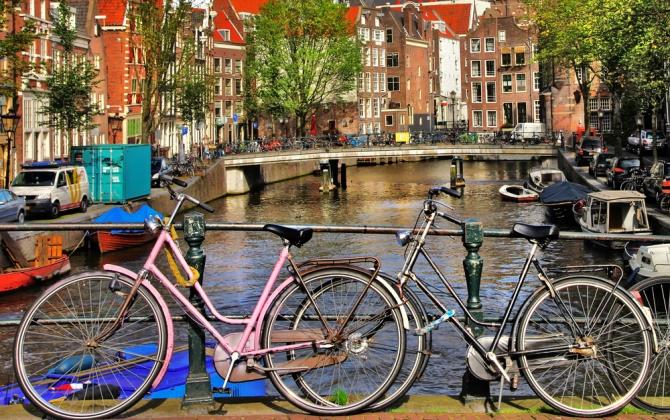 Весь транспорт в Амстердаме станет экологичным