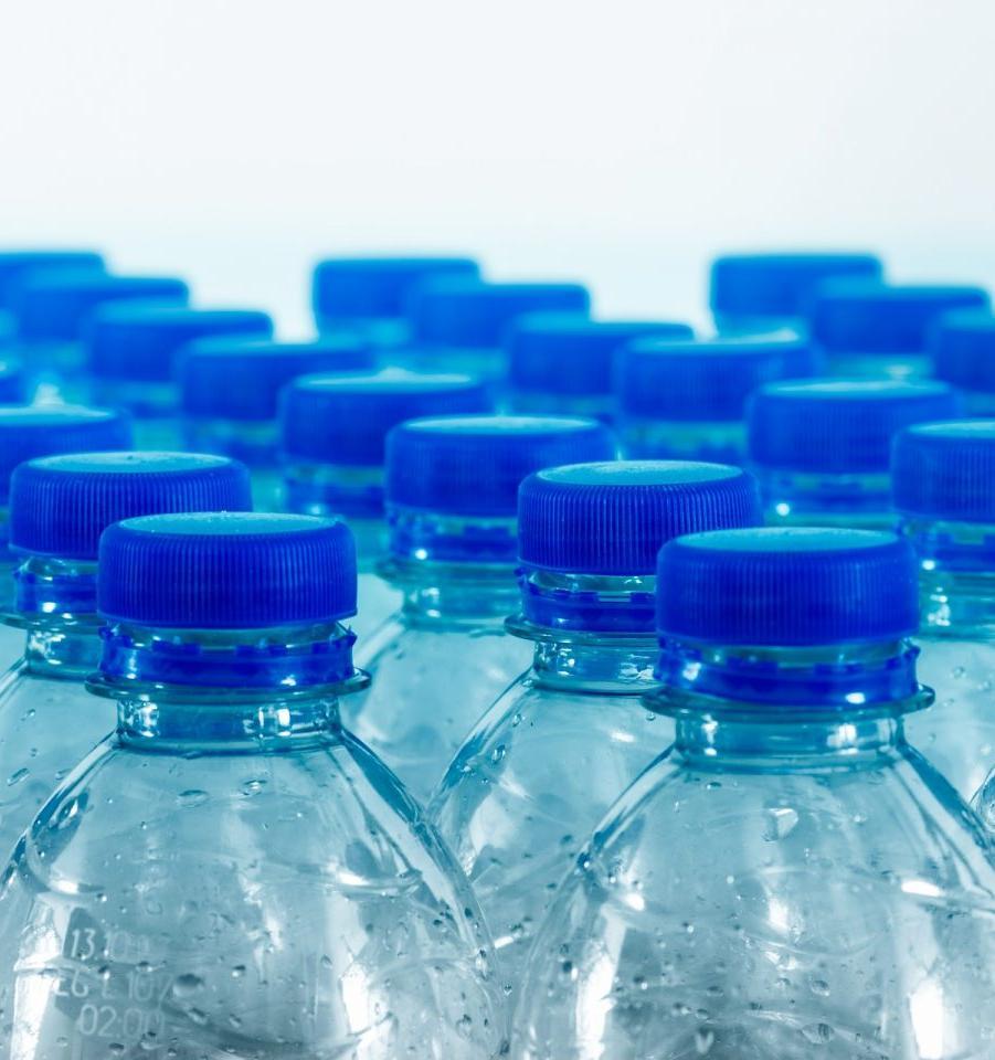Алюминиевые, пластиковые или стеклянные: какие бутылки самые вредные