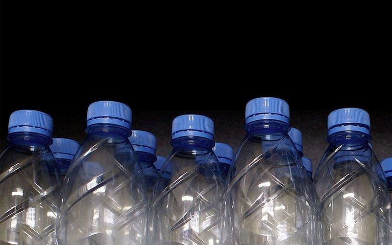 В Сан-Франциско запретили продажу воды в пластиковых бутылках