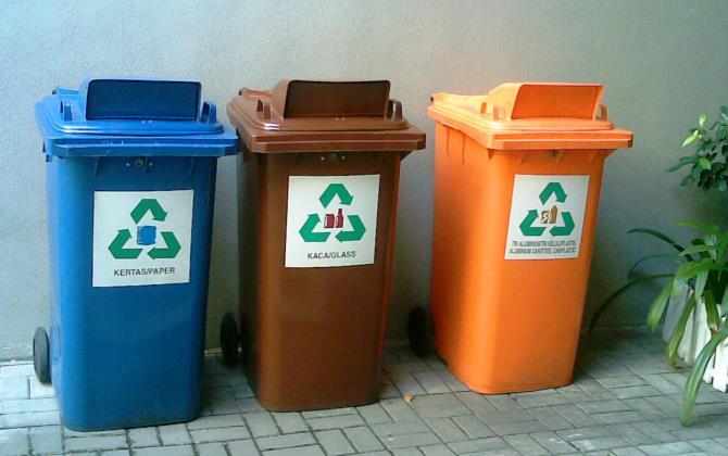 Видео дня: что происходит с московским мусором