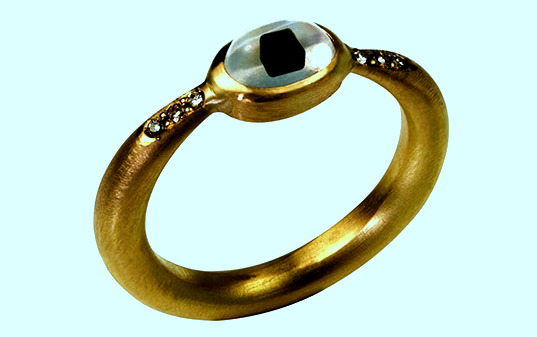 Вещь дня: кольцо из смога