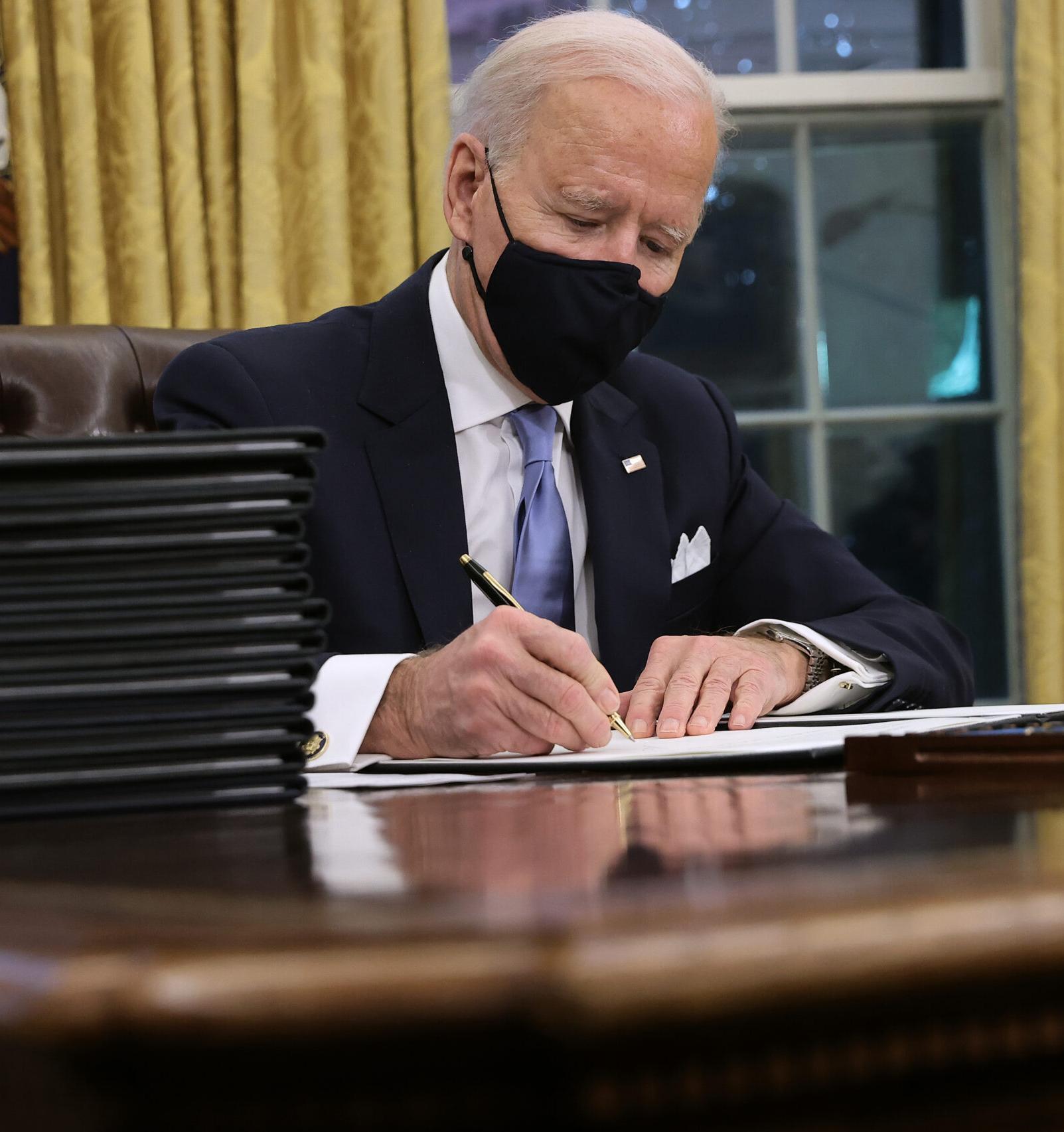 Байден подписал указ о возвращении США в Парижское соглашение по климату